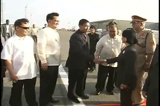 رئيسة الفلبين گلوريا مكاپاگال-أرويو تصل طرابلس لتوقيع اتفاق مع مسلمي المورو، 31 أغسطس 2009